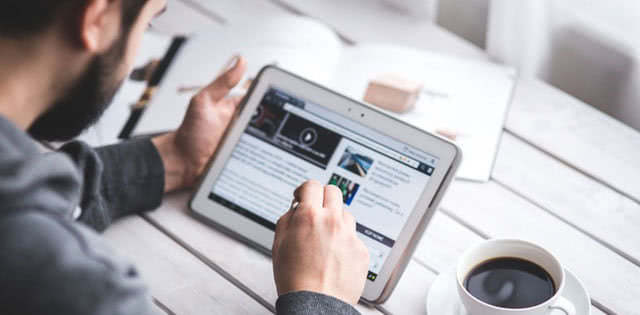 Swipe Right for These 6 Features of Web Content Management
